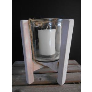 sklenený svietnik na drevenom podstavci 16,5x19 cm
